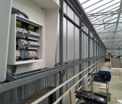 Voornes plantenkwekerij – aanleg nieuwe installatie tbv acculaders elektrische heftrucks etc.